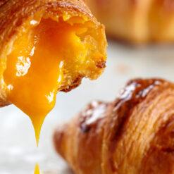 Bánh Croissant Nhân Kim Sa